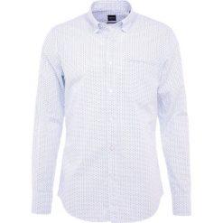 BOSS CASUAL RELEGANT REGULAR FIT Koszula white. Białe koszule męskie BOSS Casual, m, z bawełny. Za 419,00 zł.