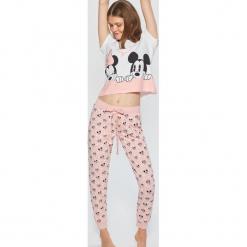 Dwuczęściowa piżama Mickey Mouse - Różowy. Czerwone piżamy damskie marki Cropp, l, z motywem z bajki. Za 99,99 zł.