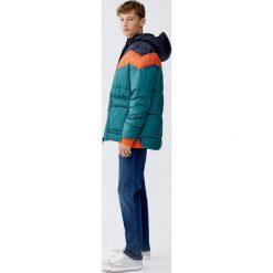 Pikowana kurtka w pasy. Zielone kurtki męskie pikowane Pull&Bear, m. Za 159,00 zł.