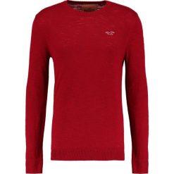Swetry klasyczne męskie: Hollister Co. FALEM CREW Sweter red
