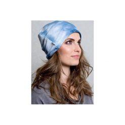 DRESOWA CZAPKA BEANIE BLUE TIE DYE. Niebieskie czapki zimowe damskie CADOaccessories, z bawełny. Za 49,00 zł.