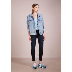 Rag & bone CAPRI Jeans Skinny Fit lyn. Niebieskie boyfriendy damskie rag & bone, z bawełny. Za 779,00 zł.