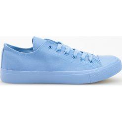 Trampki - Niebieski. Białe trampki chłopięce marki Reserved, na wysokim obcasie. W wyprzedaży za 29,99 zł.