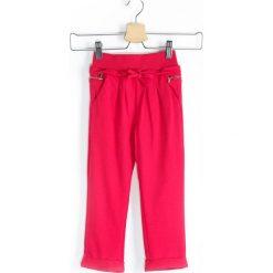 Chinosy chłopięce: Fuksjowe Spodnie Dresowe Sandlot