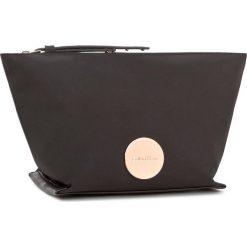 Kosmetyczka CALVIN KLEIN BLACK LABEL - Edith Cosmetic Bag K60K602644 001. Czarne kosmetyczki męskie marki Calvin Klein Black Label, z materiału. W wyprzedaży za 169,00 zł.