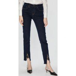 Pinko - Jeansy. Niebieskie jeansy damskie rurki marki House, z jeansu. Za 769,90 zł.