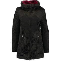 Desigual Płaszcz zimowy black. Czerwone płaszcze damskie zimowe marki Cropp, l. W wyprzedaży za 439,45 zł.