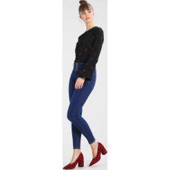 New Look LADYBIRD Jeans Skinny Fit blue. Czarne jeansy damskie relaxed fit marki New Look, z materiału, na obcasie. Za 139,00 zł.