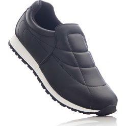 Buty wsuwane bonprix czarny. Czarne buty sportowe damskie bonprix, z materiału. Za 79,99 zł.