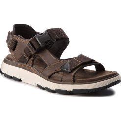 Sandały CLARKS - Un Trek Bar 261326297 Olive Nubuck. Brązowe sandały męskie skórzane marki Clarks. W wyprzedaży za 259,00 zł.