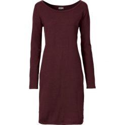 Sukienka dzianinowa bonprix ciemnoczerwony. Czerwone sukienki dzianinowe marki bonprix, z okrągłym kołnierzem. Za 89,99 zł.