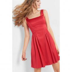 Sukienka z dekoltem karo. Czarne sukienki balowe marki Orsay, xs, z bawełny, z dekoltem na plecach. Za 159,99 zł.