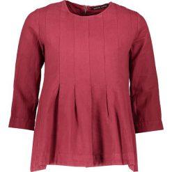 T-shirty damskie: Koszulka w kolorze ciemnoczerwonym