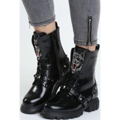 Czarne Traperki Coyote. Białe buty zimowe damskie marki Reserved, na wysokim obcasie. Za 169,99 zł.