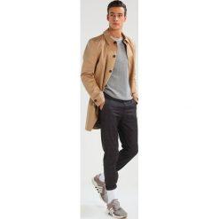 Płaszcze przejściowe męskie: CLOSED RAIN Krótki płaszcz toffee