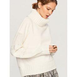 Bluzy damskie: Bluza z dzianinowymi rękawami - Kremowy