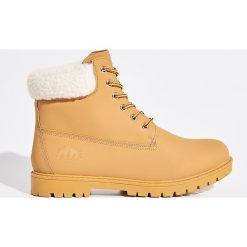 Buty trekkingowe - Brązowy. Brązowe buty trekkingowe damskie marki Sinsay. Za 129,99 zł.