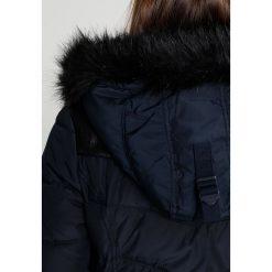 Khujo WINSEN Płaszcz zimowy navy. Czerwone płaszcze damskie zimowe marki Cropp, l. W wyprzedaży za 575,20 zł.