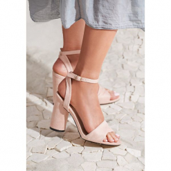 Różowe Sandały Cautiously Optimistic. Czerwone sandały damskie marki vices, na wysokim obcasie. Za 69,99 zł.