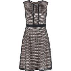 Sukienki hiszpanki: Dorothy Perkins Petite MESH FIT AND FLARE Sukienka z dżerseju blush