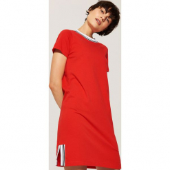 Sportowa sukienka z napisem - Czerwony. Czarne sukienki sportowe marki KIPSTA, z poliesteru, do piłki nożnej. Za 69,99 zł.