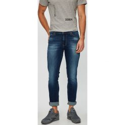 Mustang - Jeansy. Czarne jeansy męskie slim marki Mustang, l, z bawełny, z kapturem. Za 299,90 zł.