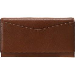 Fossil CAROLINE Portfel brown. Brązowe portfele damskie marki Fossil. W wyprzedaży za 349,30 zł.