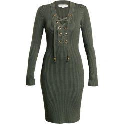 MICHAEL Michael Kors LACE UP RIB DRESS Sukienka etui khaki. Brązowe sukienki dzianinowe marki MICHAEL Michael Kors, xl. W wyprzedaży za 474,50 zł.