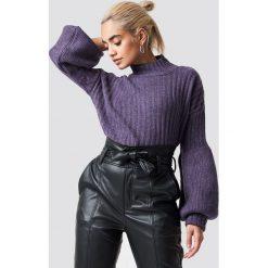 Trendyol Sweter z bufiastym rękawem - Purple. Fioletowe swetry klasyczne damskie Trendyol, z dzianiny. Za 100,95 zł.
