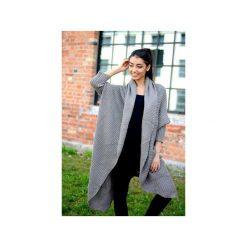 Długi beżowy sweter damski, asymetryczny sweter, sweter damski kardigan, narzutka damska. Brązowe bolerka i narzutki damskie ekoszale. Za 189,00 zł.