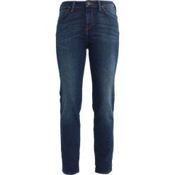 Lee MARION STRAIGHT  Jeansy Slim fit mean streaks. Niebieskie jeansy damskie relaxed fit Lee. W wyprzedaży za 246,75 zł.