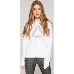 Reebok - Bluza. Szare bluzy z nadrukiem damskie marki Reebok, m, z dzianiny, bez kaptura. W wyprzedaży za 149,90 zł.