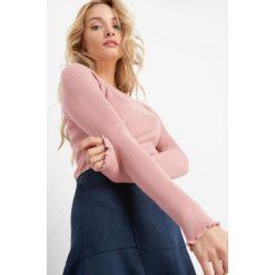 Prążkowany sweter. Czarne swetry klasyczne damskie marki Orsay, xs, z bawełny, z dekoltem na plecach. Za 69,99 zł.