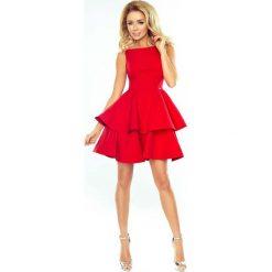 Czerwona Sukienka Rozkloszowana z Podwójną Falbanką. Czerwone sukienki koktajlowe Molly.pl, l, z tkaniny, z kopertowym dekoltem, na ramiączkach, dopasowane. Za 239,90 zł.