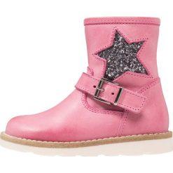 Pinocchio Botki fucsia. Czerwone buty zimowe damskie marki Pinocchio, z materiału. W wyprzedaży za 272,35 zł.