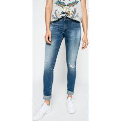 Diesel - Jeansy Livier. Niebieskie jeansy damskie Diesel, z bawełny, z obniżonym stanem. W wyprzedaży za 399,90 zł.