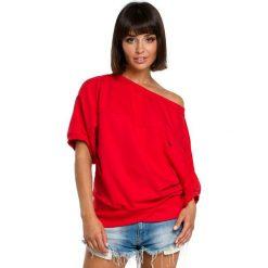 Czerwona Bluzka z Zakładanym Kopertowo Ściągaczem. Czerwone bluzki asymetryczne Molly.pl, l, z dresówki, z kopertowym dekoltem, z krótkim rękawem. Za 105,90 zł.