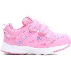 Różowe Buty Sportowe Singsong. Czerwone buciki niemowlęce marki Born2be, z okrągłym noskiem, na obcasie, na rzepy. Za 69,99 zł.