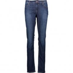 """Dżinsy """"Sissy"""" - Slim fit - w kolorze niebieskim. Niebieskie jeansy damskie relaxed fit marki Mustang, z aplikacjami, z bawełny. W wyprzedaży za 173,95 zł."""
