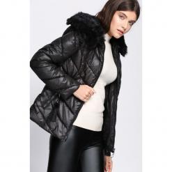 Czarna Kurtka Piece Of My Heart. Czarne kurtki damskie pikowane Born2be, na zimę, l, z kapturem. Za 139,99 zł.