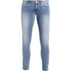 Marc O'Polo DENIM SIV CROPPED Jeans Skinny Fit combo. Niebieskie jeansy damskie Marc O'Polo DENIM. W wyprzedaży za 364,65 zł.
