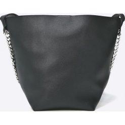 Answear - Torebka. Czarne torebki klasyczne damskie ANSWEAR, w paski, z materiału, średnie. W wyprzedaży za 99,90 zł.