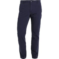 Rurki męskie: DOCKERS SMART 360 FLEX ALPHA SLIM TAPERED STEELHEAD Spodnie materiałowe pembroke