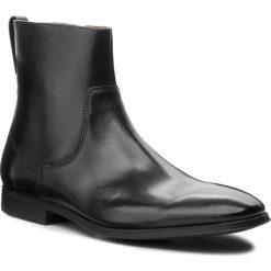 Kozaki CLARKS - Gilman Zip 261362187  Black Leather. Czarne botki męskie Clarks, z materiału. Za 499,00 zł.