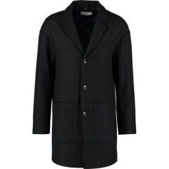 Płaszcze przejściowe męskie: KIOMI Krótki płaszcz black