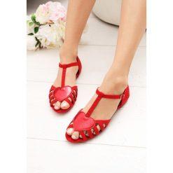 Czerwone Sandały Wild Enough. Czerwone sandały damskie marki vices, na płaskiej podeszwie. Za 59,99 zł.
