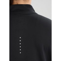 Nike Performance THERMA SPHERE Koszulka sportowa black. Czarne topy sportowe damskie Nike Performance, z elastanu, z długim rękawem. W wyprzedaży za 209,30 zł.