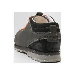 Aku BELLAMONT PLUS Obuwie hikingowe grau. Szare buty sportowe męskie marki Aku, z materiału, outdoorowe. W wyprzedaży za 467,35 zł.
