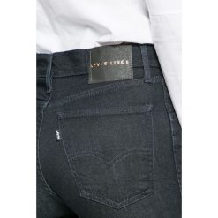 Levi's - Jeansy Line 8. Brązowe jeansy damskie marki Levi's®, z podwyższonym stanem. Za 299,90 zł.