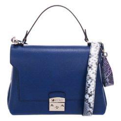 Torebki klasyczne damskie: Skórzana torebka w kolorze niebieskim – (S)27 x (W)26 x (G)17 cm